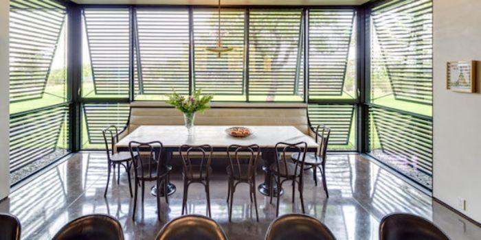 Hệ thống cửa sổ chớp lật dành cho phòng ăn ngôi nhà