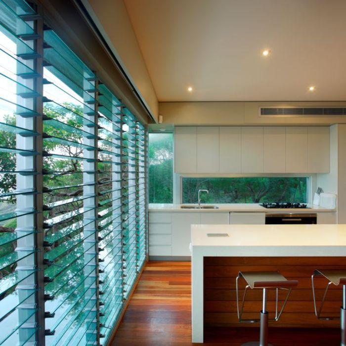 Hệ thống cửa sổ chớp lật lớn cho phòng bếp