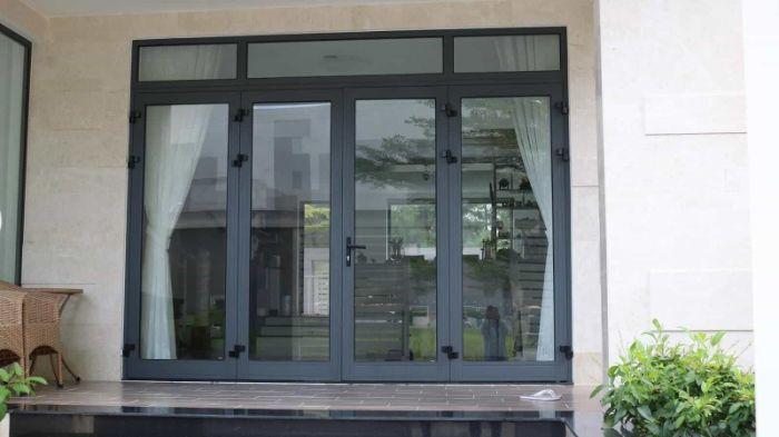Cửa nhôm kính Xingfa cho phòng khách 4 cánh mẫu 1