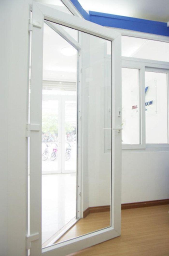 Cửa nhôm kính 1 cánh mở quay màu trắng mẫu 1