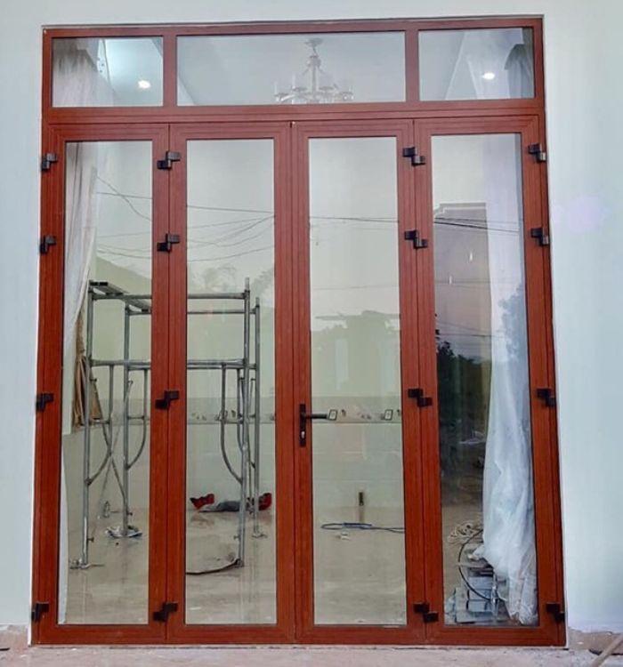 Cửa sắt 4 cánh kính cường lực chia ô, giả gỗ mẫu 3