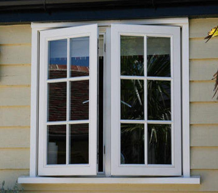 Cửa sổ nhôm kính mở quay 2 cánh màu trắng có chia ô