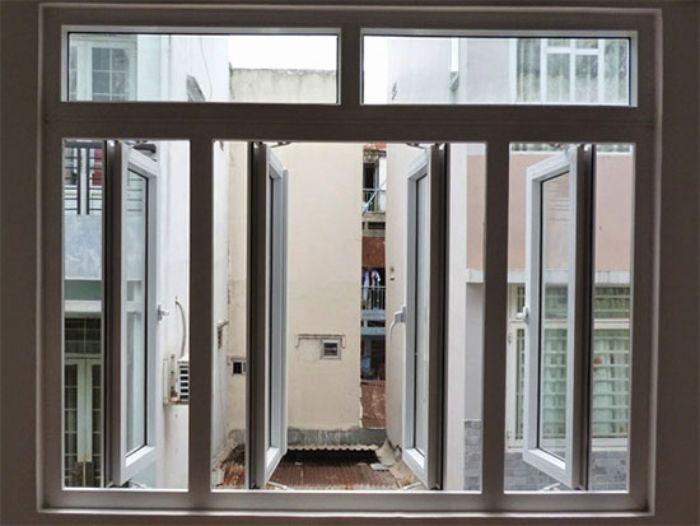 Cửa sổ nhôm kính mở quay xingfa hệ 100 2 cánh màu đen