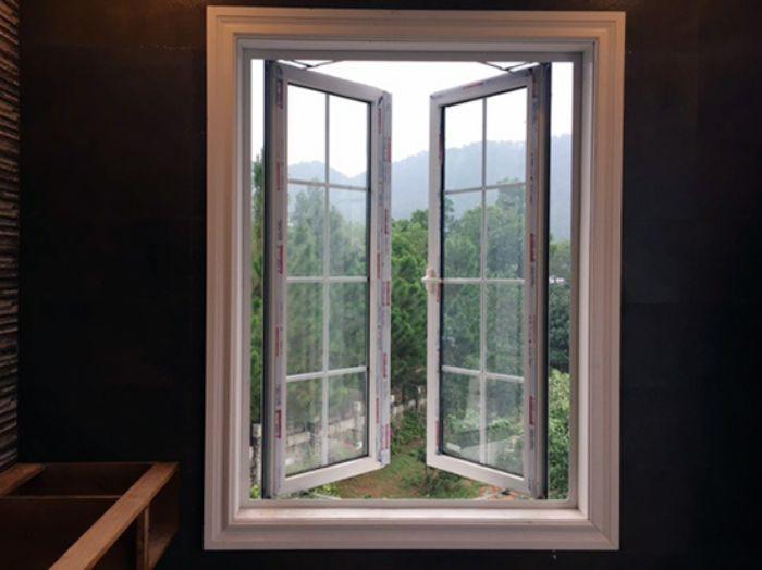 Cánh của loại cửa sổ này có thể mở được từ 90 đến 180 độ