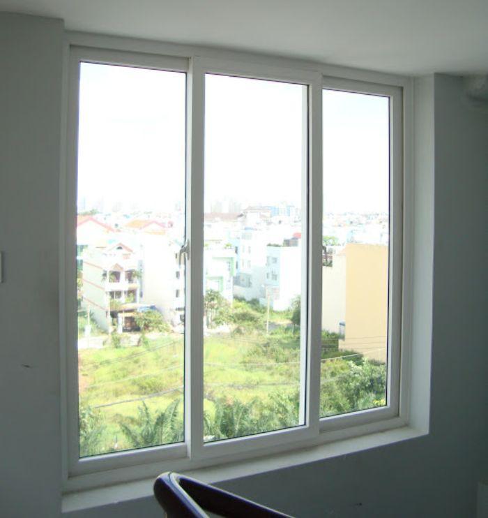 Cửa sổ lùa sẽ có 2 thanh ray để cho thao tác đóng mở được dễ dàng hơn