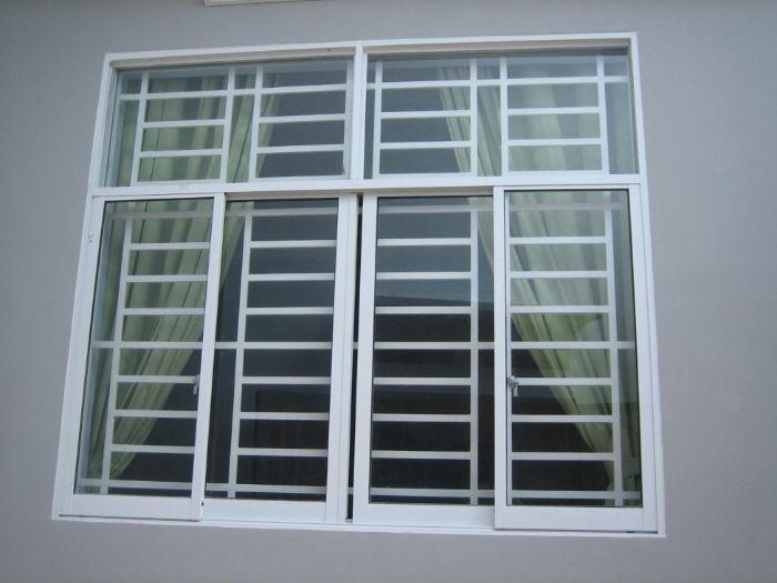 Mẫu cửa sổ nhôm kính mở trượt 4 cánh màu trắng
