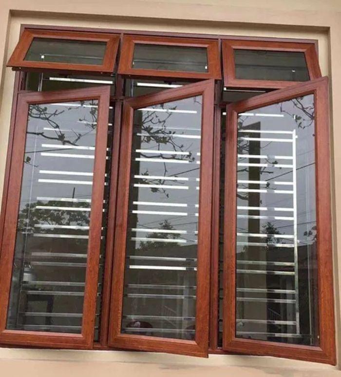 Mẫu cửa sổ nhôm kính 3 cánh mở quay