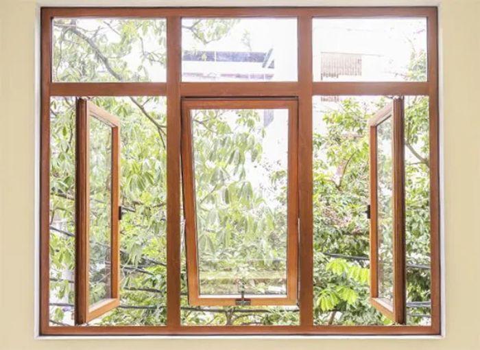 Mẫu cửa sổ nhôm kính lật đẹp 3 cánh giả gỗ kết hợp với mở quay