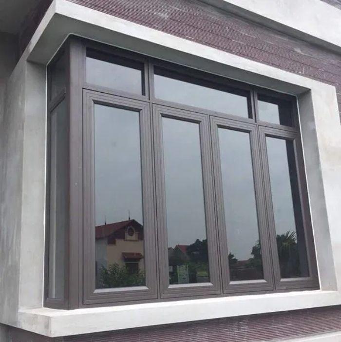 Mẫu cửa sổ nhôm 4 cánh dùng kính phản quang