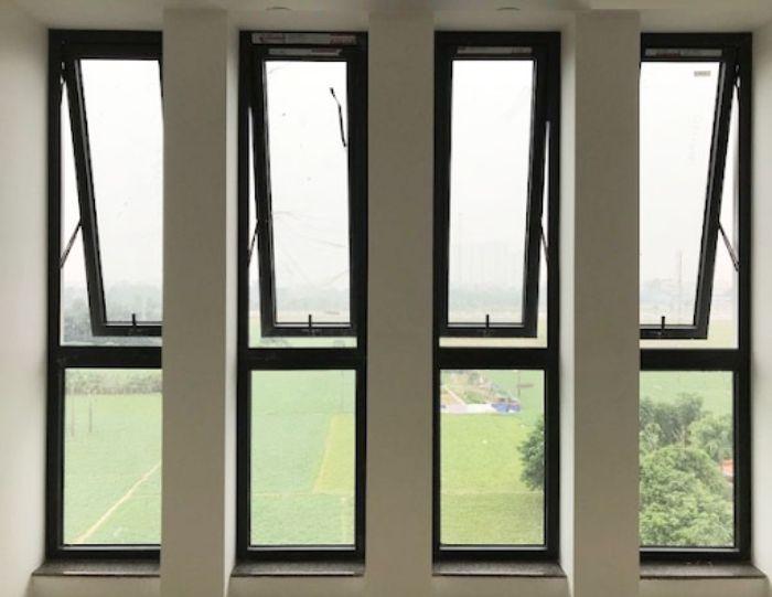 Mẫu cửa sổ nhôm kính mở lật Xingfa dưới màu đen 4 cánh