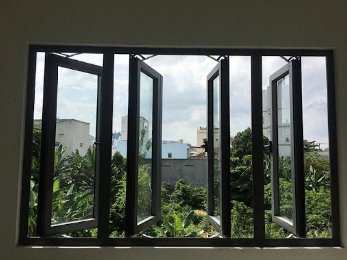 Cửa sổ nhôm kính Xingfa hệ 93 màu đen 4 cánh mở quay