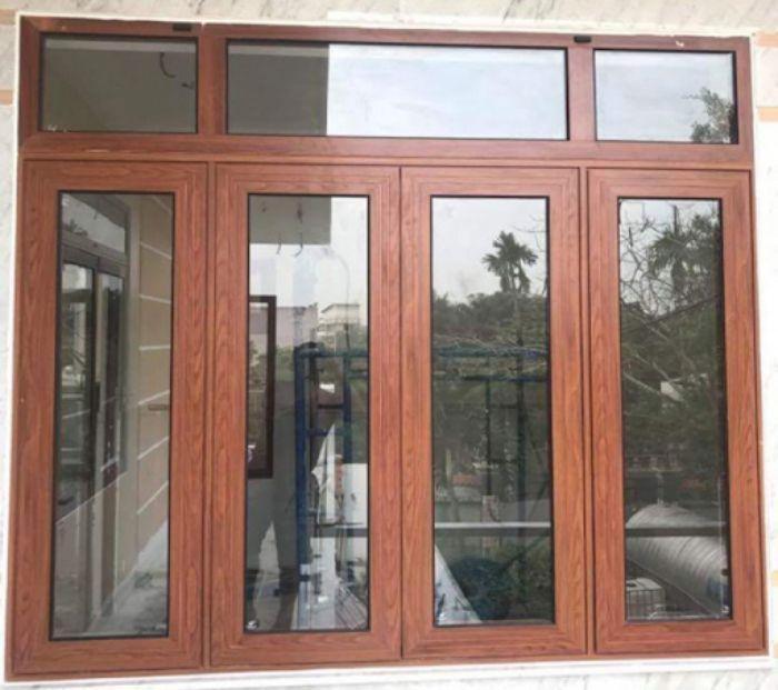 Mẫu cửa sổ nhôm xingfa đẹp hệ 93 giả vân gỗ 4 cánh mở quay