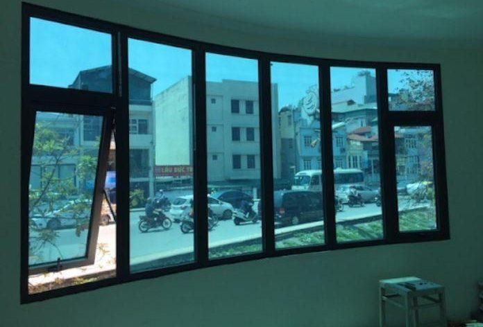 Cửa sổ nhôm kính Xingfa hệ 93 màu đen 6 cánh