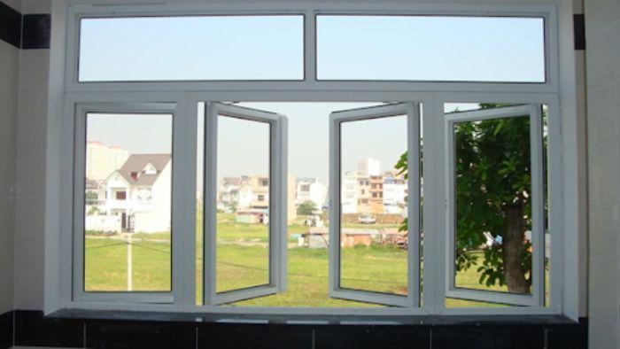 Cửa sổ sắt kính màu trắng 4 cánh cho nhà ống