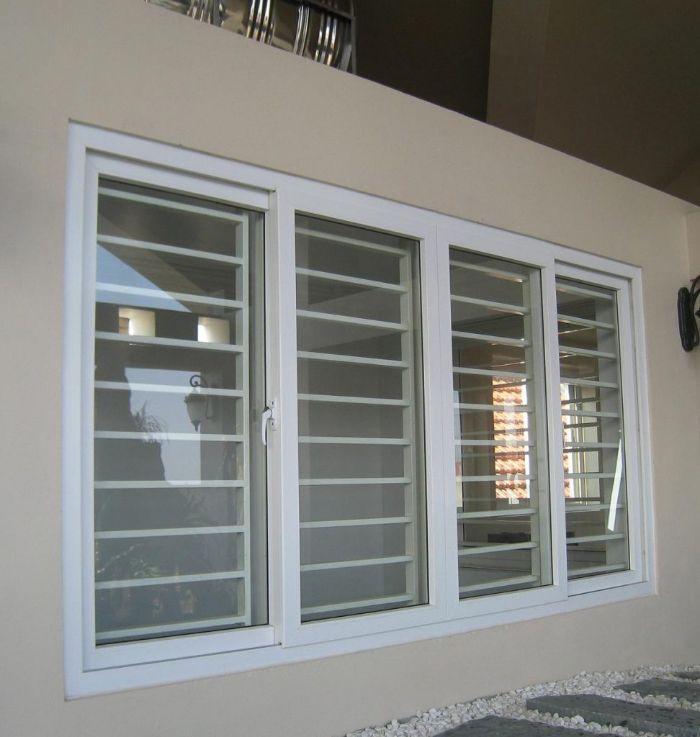 Cửa sổ sắt kính 4 cánh màu trắng cho nhà ống
