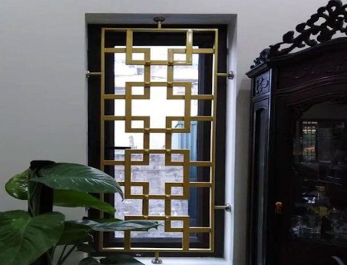 Cửa sổ sắt có bộ khung được thiết kế tuy đơn giản nhưng mang đậm nét độc đáo riêng