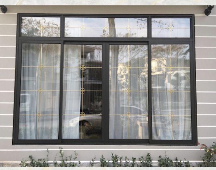 Cửa sổ sắt kính lùa có 4 cánh màu đen
