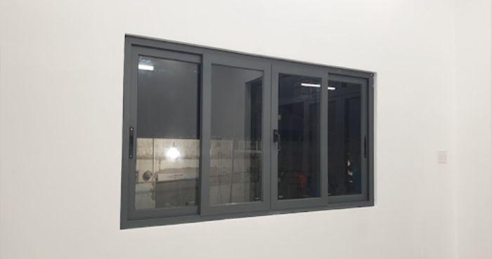 Cửa sổ sắt kính lùa 4 cánh màu đen