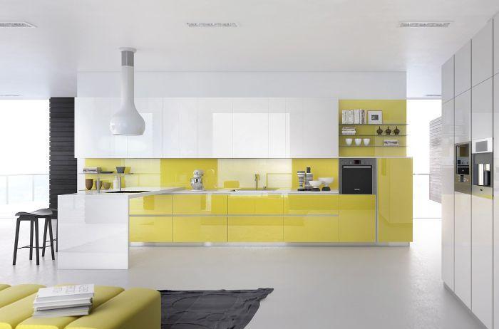 Tủ bếp nhôm kính chữ L màu vàng nổi bật