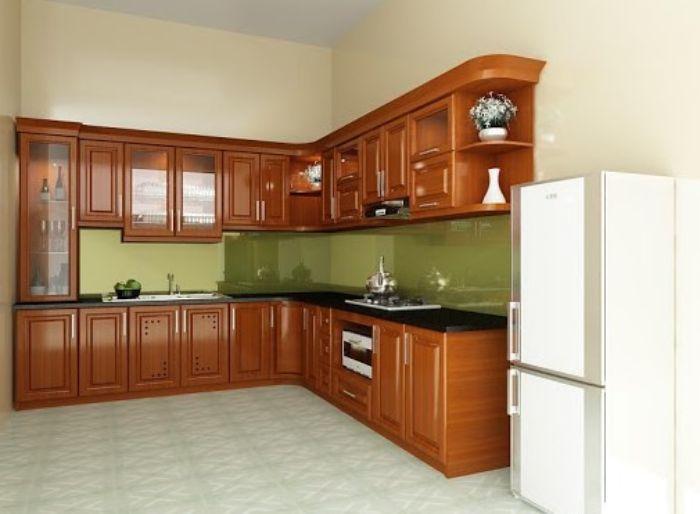 Tủ bếp nhôm kính chữ L có màu giả gỗ kết hợp kính trong