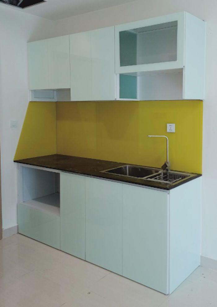 Tủ bếp nhôm kính màu trắng kết hợp cùng kính mờ mẫu 2