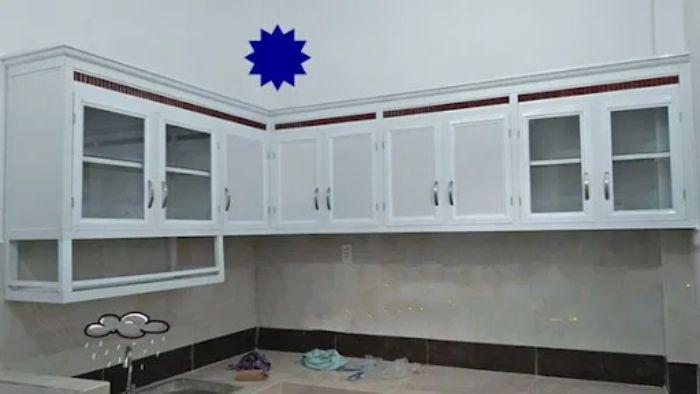 Tủ bếp nhôm kính màu trắng kết hợp cùng kính mờ mẫu 3