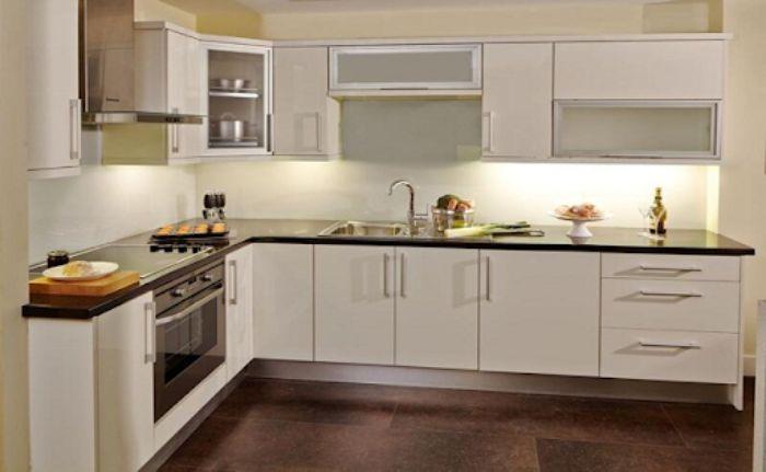 Tủ bếp nhôm kính màu trắng sơn tĩnh điện mẫu 3