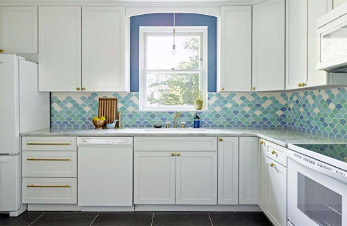 Tủ bếp nhôm kính màu trắng sơn tĩnh điện mẫu 4