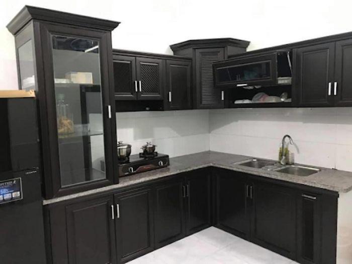 Tủ bếp nhôm kính treo tường màu đen mẫu 1