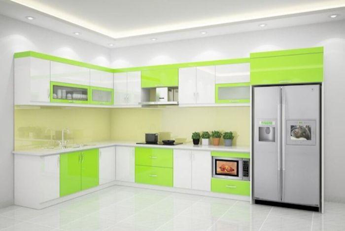 Tủ bếp nhôm kính treo tường màu xanh mẫu 3