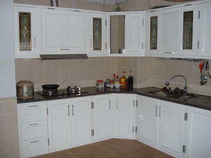 Tủ bếp nhôm kính treo tường màu trắng mẫu 2