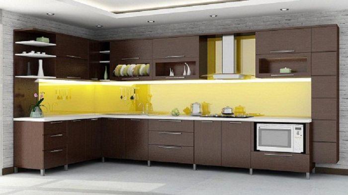 Tủ bếp nhôm kính vân gỗ xingfa mẫu 1
