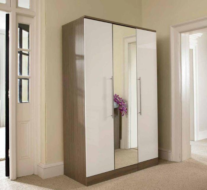 Tủ nhôm kính đựng quần áo có kết hợp thêm kính gương