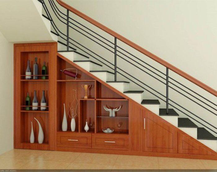 Tủ gầm cầu thang làm từ nhôm kính với nhiều mẫu thiết kế hiện đại