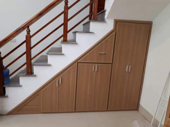 Tủ nhôm kính 2 tầng gầm cầu thang tiện ích