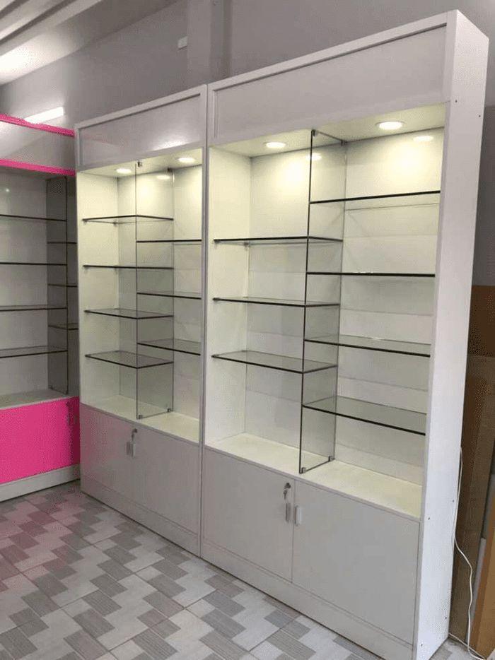 Tủ kính trưng bày bán tạp hóa, giày dép mẫu 2