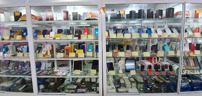 Tủ kính trưng bày đồ điện tử mẫu 4