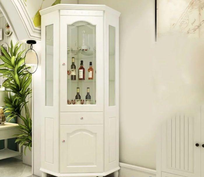 Mẫu tủ rượu nhôm kính nhỏ màu trắng để ở góc tường
