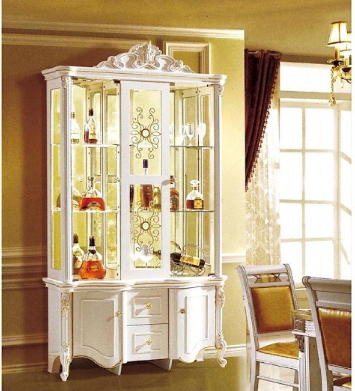 Mẫu tủ rượu nhôm kính có lắp đèn phía bên trong