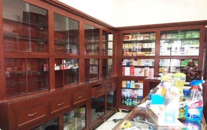 Tủ thuốc tây nhôm kính giả gỗ mẫu 3