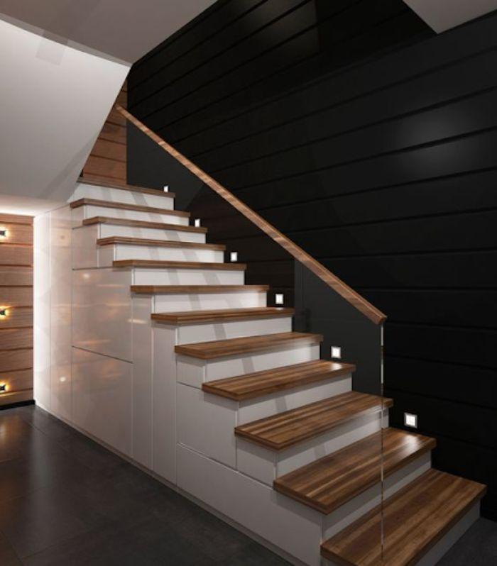 Cầu thang kính không trụ tay vịn gỗ cao cấp