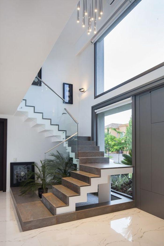 Cầu thang kính không trụ vuông inox màu bạc
