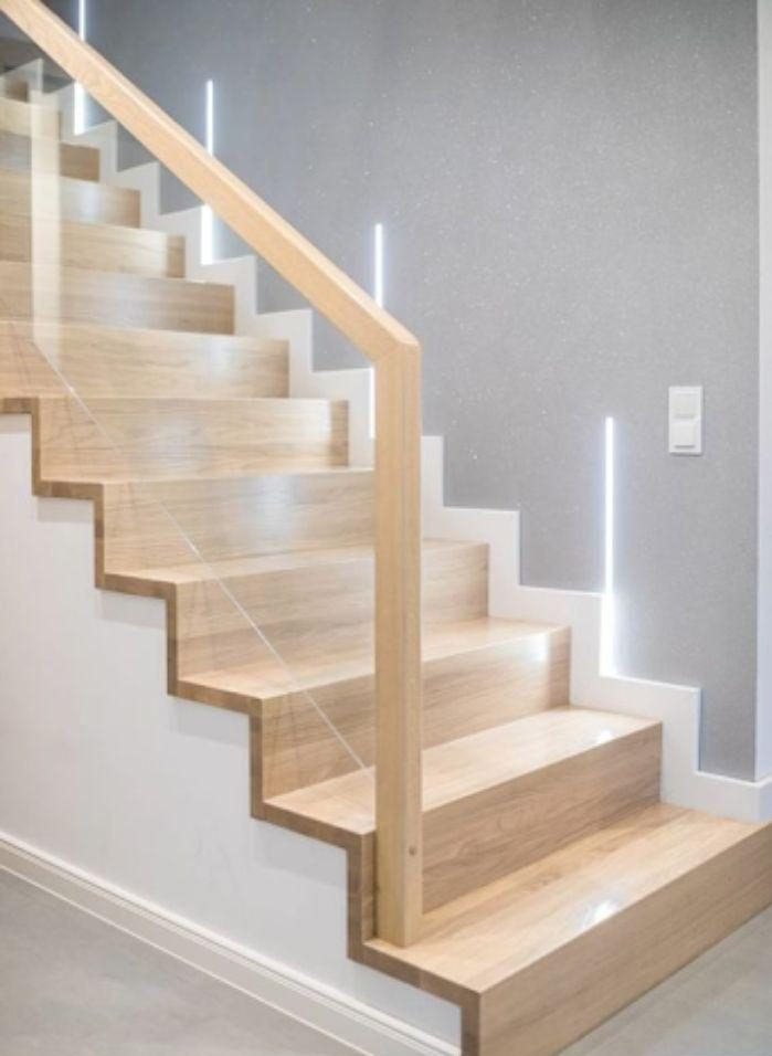 Mẫu cầu thang tay vịn gỗ vuông thiết kế đơn giản
