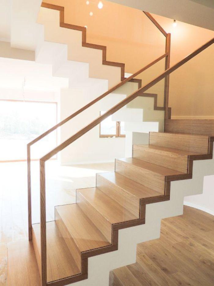 Cầu thang kính tay vịn nhựa giả gỗ không trụ