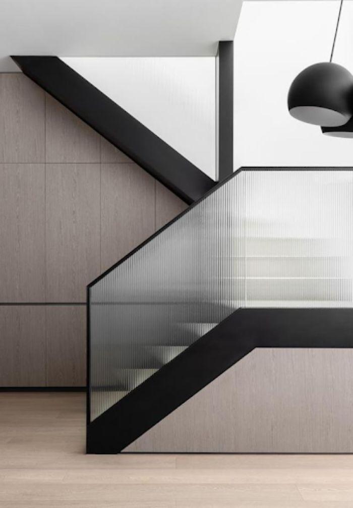 Cầu thang tay vịn nhựa kính nhám