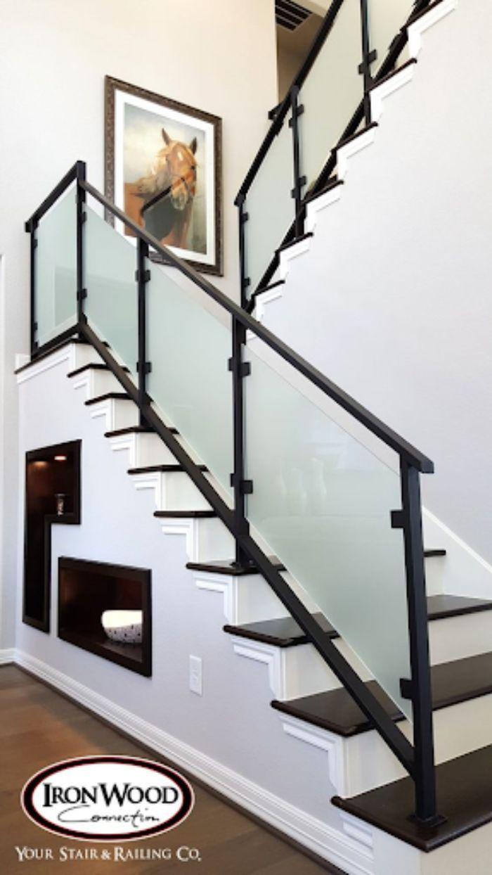 Các mẫu sản phẩm cầu thang kính tay vịn nhựa của ADV Construction có tính thẩm mỹ rất cao