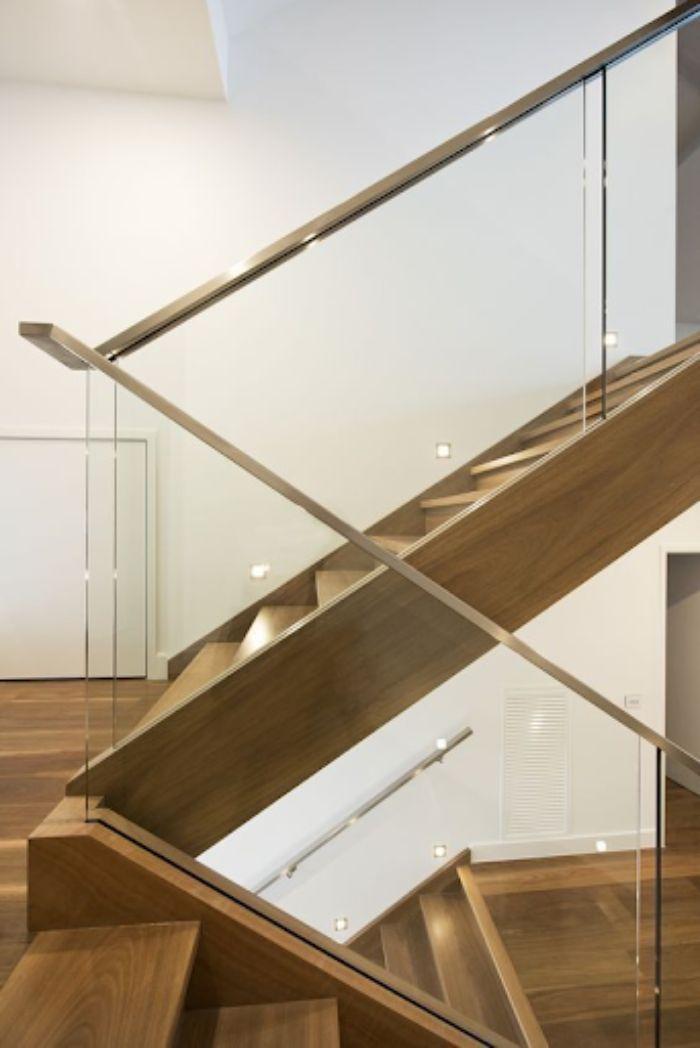 Mẫu lan can cầu thang kính tay vịn inox hiện đại