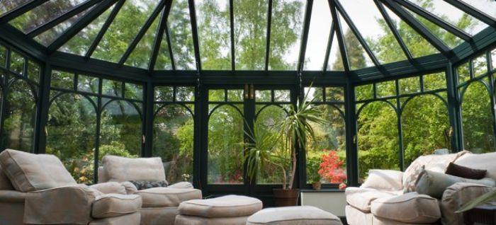 Mái che kính mang đến vẻ đẹp nghệ thuật cho ngôi nhà