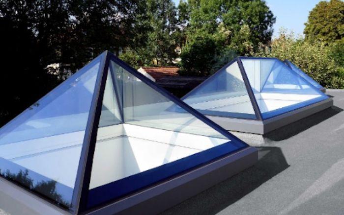 Mái kính cho giếng trời được xếp thành hình thoi