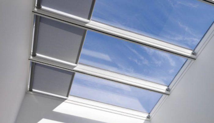Mái kính giếng trời trượt có rèm kéo tự động